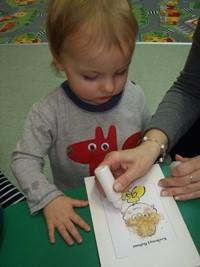 co dziecko robi w żłobku